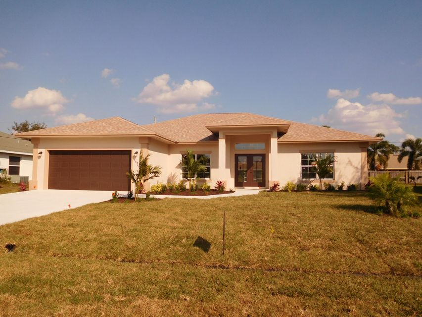 Additional photo for property listing at 1471 SW Delos Avenue 1471 SW Delos Avenue Port St. Lucie, Florida 34953 Vereinigte Staaten