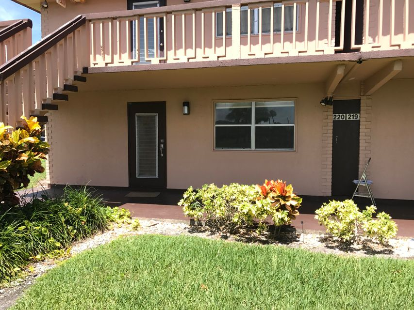 Additional photo for property listing at 220 Tuscany D 220 Tuscany D Delray Beach, Florida 33446 United States
