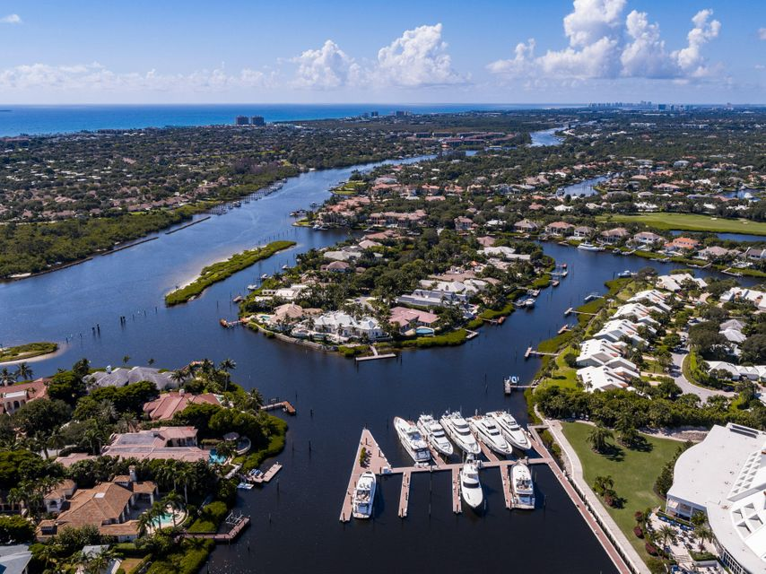 Additional photo for property listing at 230 Commodore Drive 230 Commodore Drive Jupiter, Florida 33477 Estados Unidos