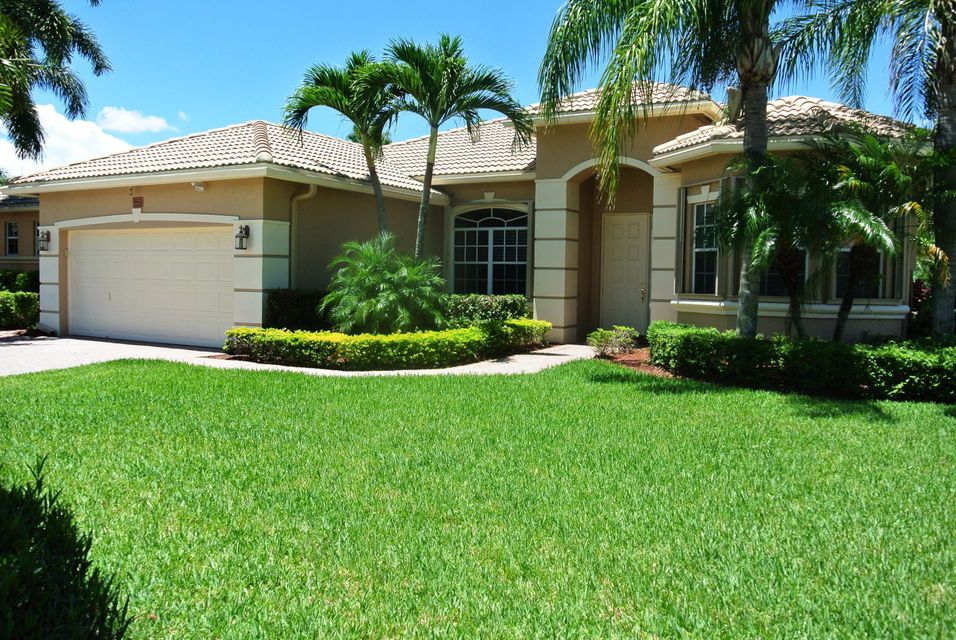 Single Family Home for Rent at 9550 Lantern Bay Circle 9550 Lantern Bay Circle West Palm Beach, Florida 33411 United States