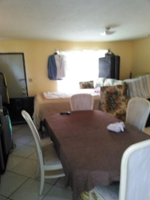 Additional photo for property listing at 630 SW 7th Street  Belle Glade, 佛罗里达州 33430 美国