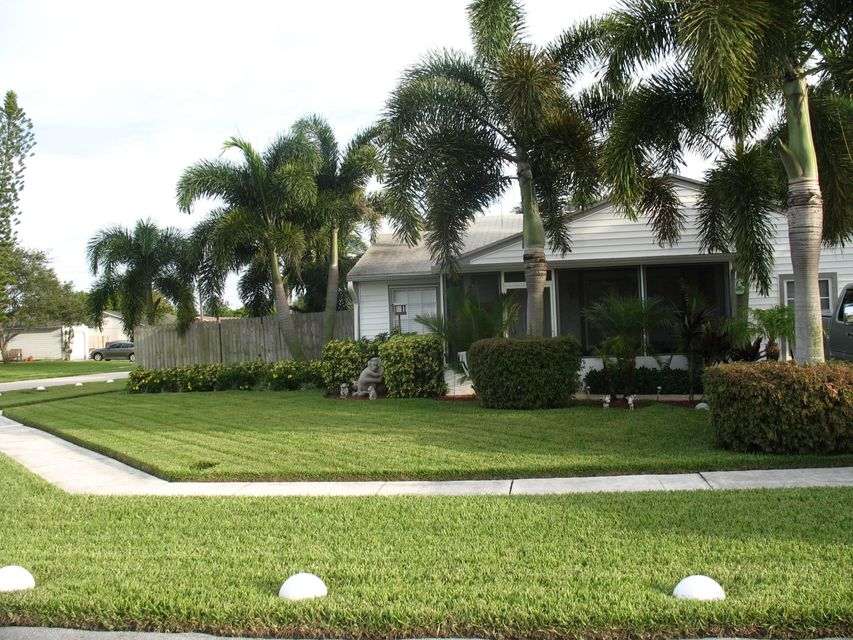 Home for sale in COUNTERPOINT ESTATES 6 Royal Palm Beach Florida