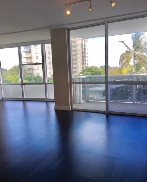 Additional photo for property listing at 900 Bay Drive  Miami Beach, Florida 33141 Estados Unidos
