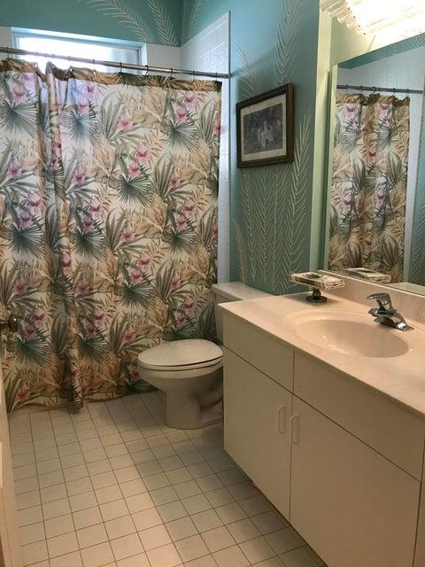 Additional photo for property listing at 12550 Crystal Pointe Drive  Boynton Beach, Florida 33437 États-Unis