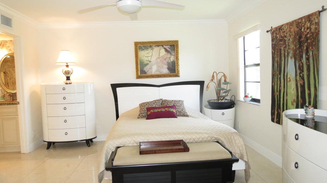Additional photo for property listing at 10223 N Circle Lake Drive  博因顿海滩, 佛罗里达州 33437 美国