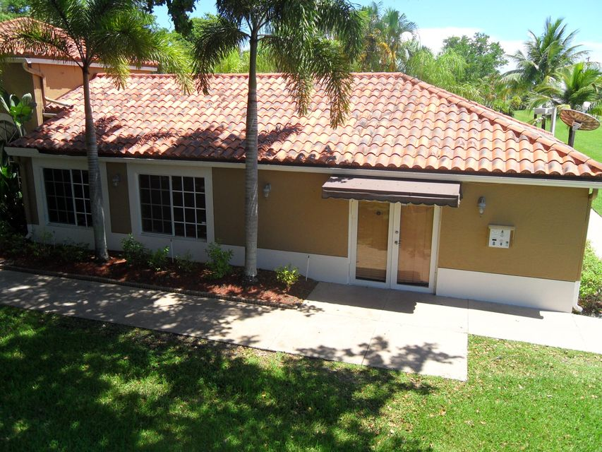 Additional photo for property listing at 1089 Benoist Farms Road  West Palm Beach, Florida 33411 Estados Unidos