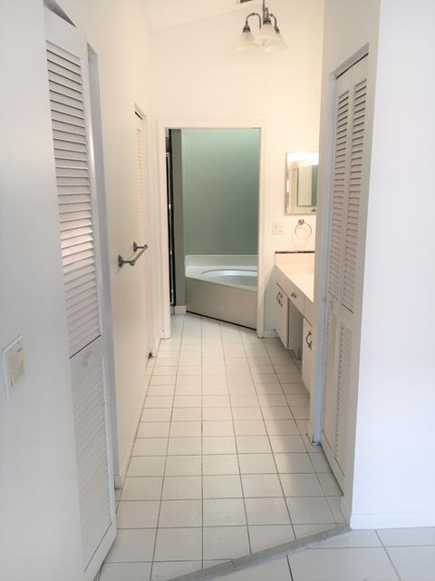 Additional photo for property listing at 182 Temple Avenue  Boynton Beach, Florida 33435 États-Unis