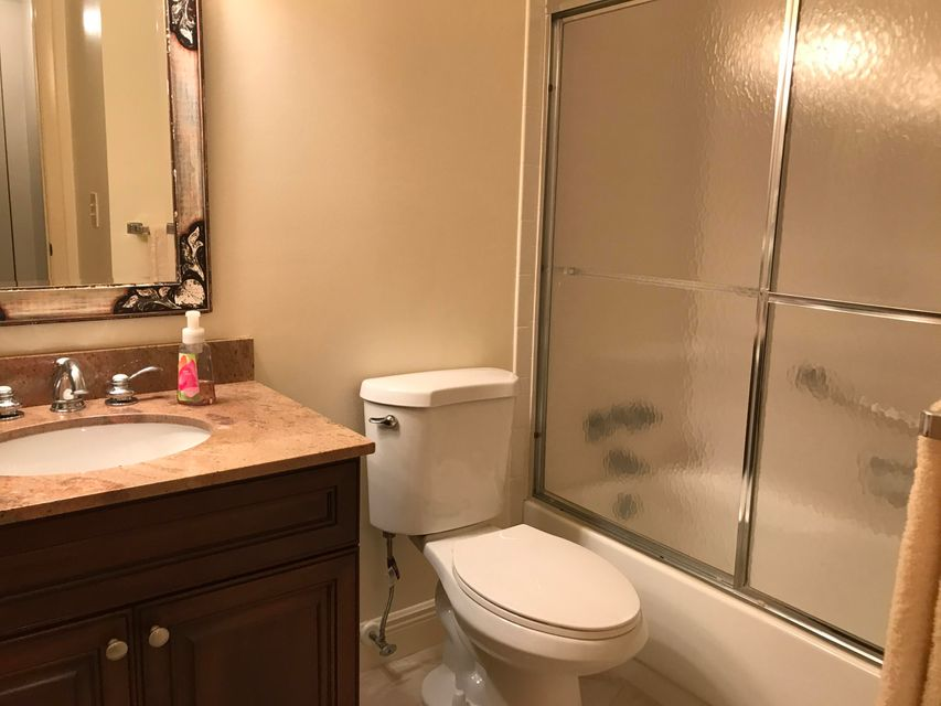 Additional photo for property listing at 501 Shady Pine Way 501 Shady Pine Way Greenacres, Florida 33415 États-Unis
