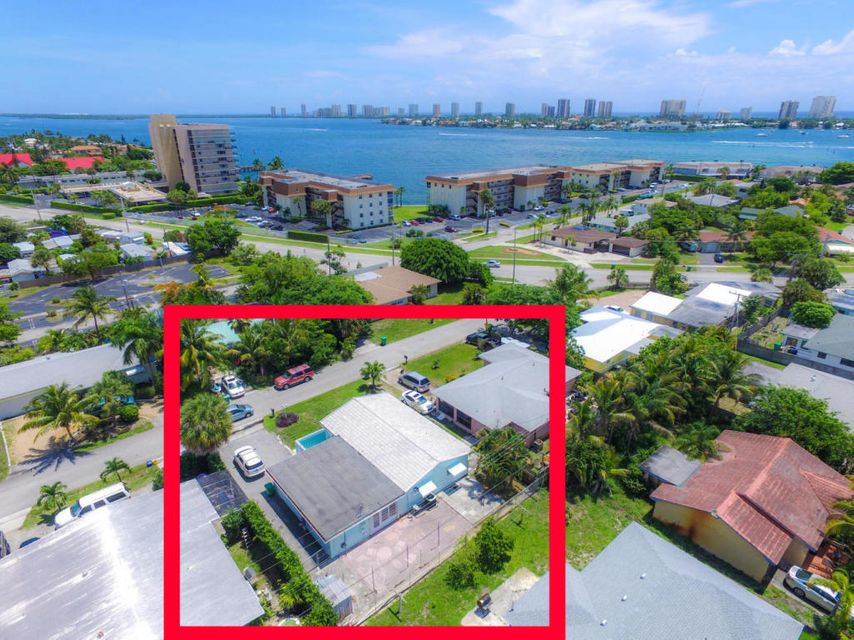 Additional photo for property listing at 169 E 30th Street 169 E 30th Street Riviera Beach, 佛罗里达州 33404 美国