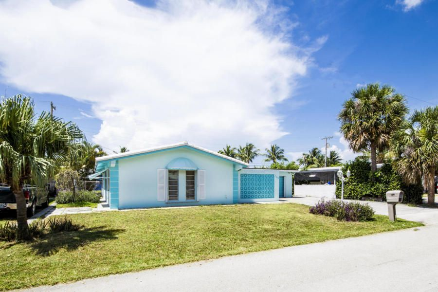 Additional photo for property listing at 169 E 30th Street  Riviera Beach, Florida 33404 Estados Unidos