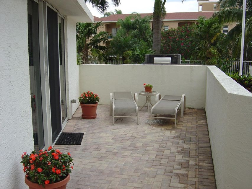 Additional photo for property listing at 1617 N Flagler Drive 1617 N Flagler Drive West Palm Beach, Florida 33407 États-Unis