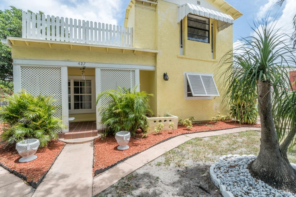 واحد منزل الأسرة للـ Sale في 427 Maddock Street West Palm Beach, Florida 33405 United States