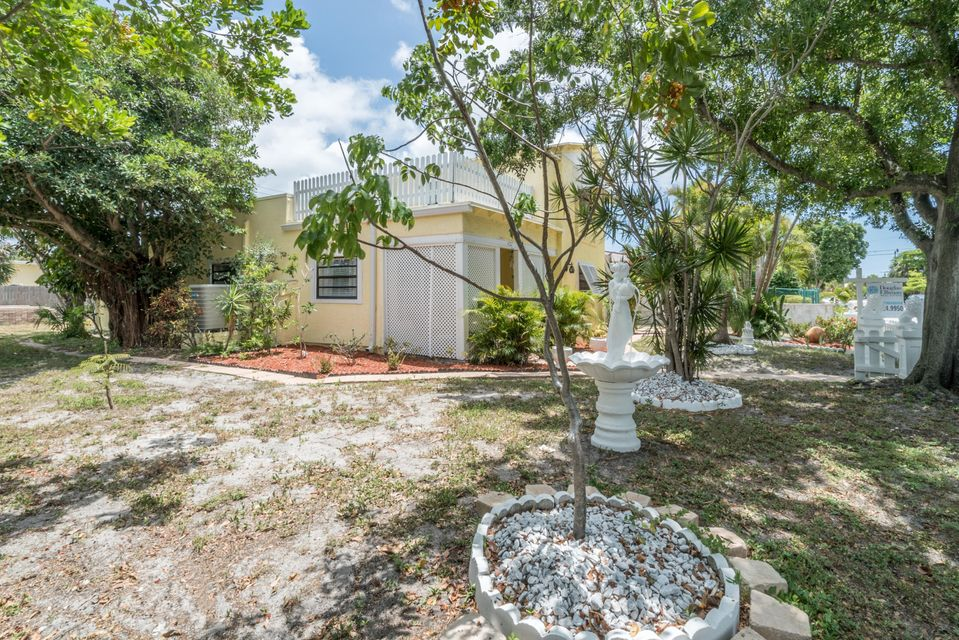 Additional photo for property listing at 427 Maddock Street  West Palm Beach, Florida 33405 États-Unis