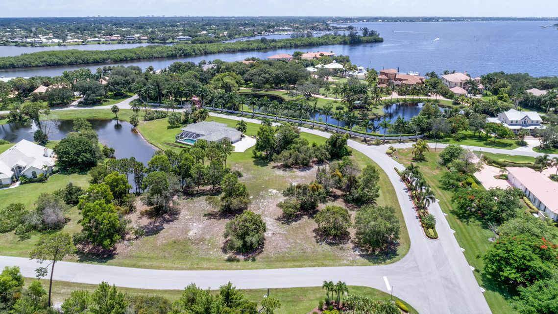 Terreno para Venda às Riverbend Trce Terrace Riverbend Trce Terrace Port St. Lucie, Florida 34984 Estados Unidos