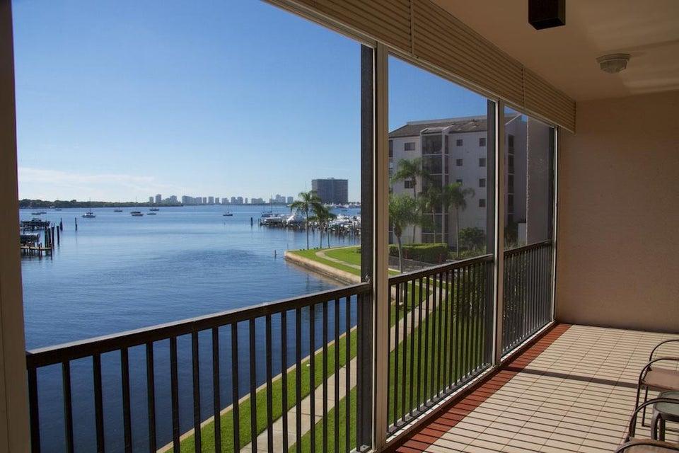 11370 Twelve Oaks Way 311, North Palm Beach, FL 33408