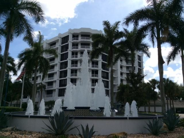 Co-op / Condominio por un Venta en 20320 Fairway Oaks Drive Boca Raton, Florida 33434 Estados Unidos