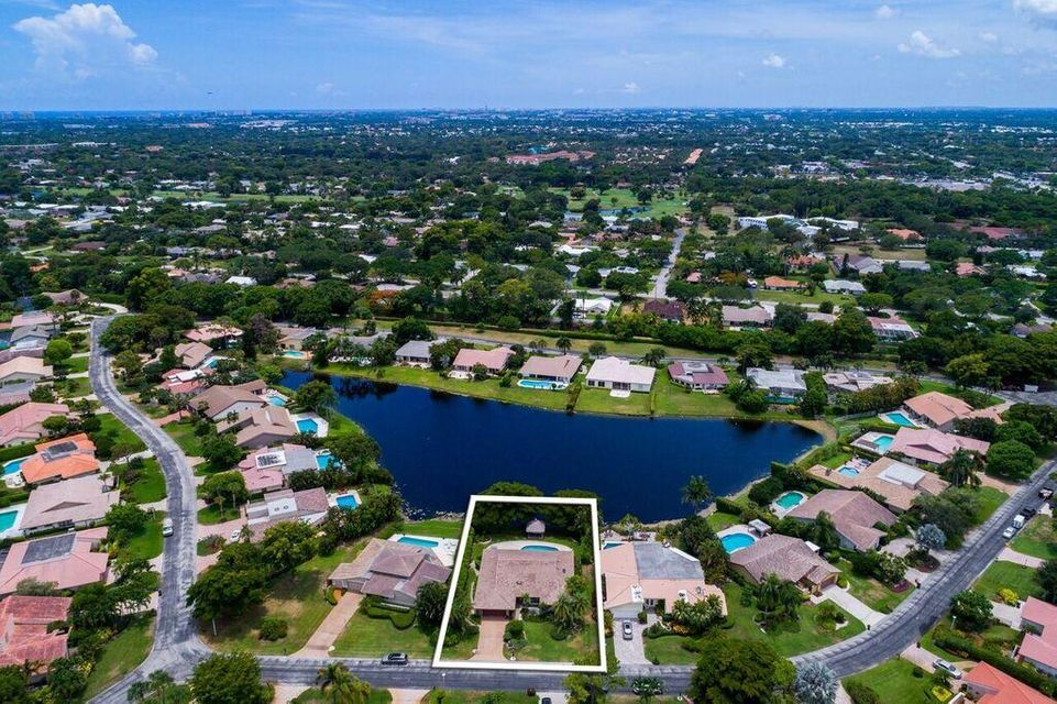 4906 Pineview Circle - Delray Beach, Florida