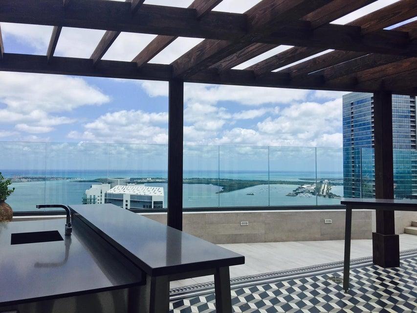Konsum / Eigentumswohnung für Mieten beim 1300 N Miami Avenue 1300 N Miami Avenue Miami, Florida 33136 Vereinigte Staaten
