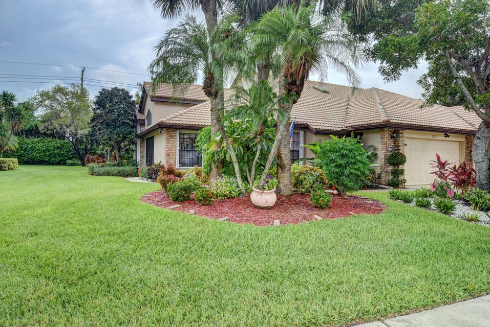 Additional photo for property listing at 7339 Le Chalet Boulevard 7339 Le Chalet Boulevard Boynton Beach, Florida 33472 United States