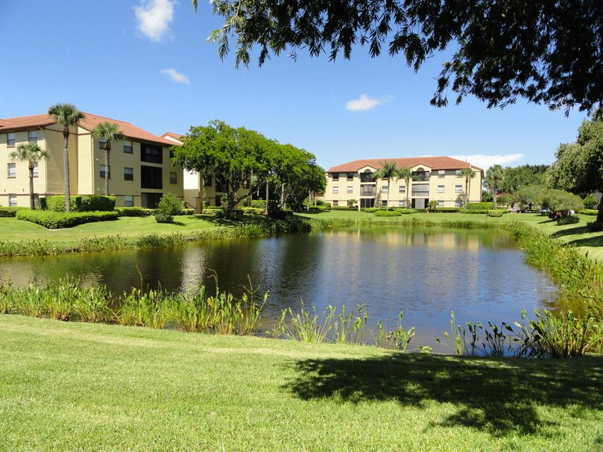 Co-op / Condo للـ Sale في 5099 Splendido Court Boynton Beach, Florida 33437 United States