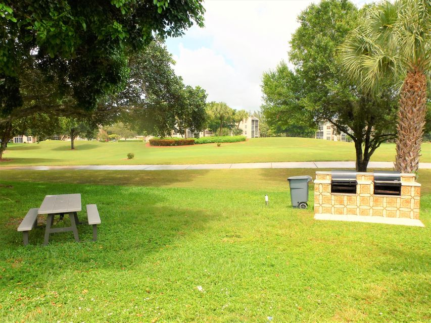 Additional photo for property listing at 9441 Evergreen Place  Davie, Florida 33324 United States