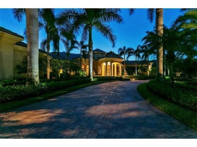 19 Saint Thomas Drive , Palm Beach Gardens FL 33418 is listed for sale as MLS Listing RX-10330377 24 photos