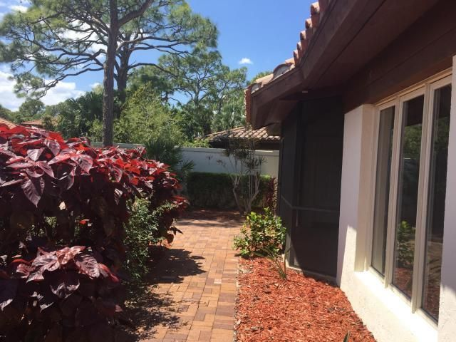 Additional photo for property listing at 5390 SE Merion Way  Stuart, Florida 34997 Estados Unidos
