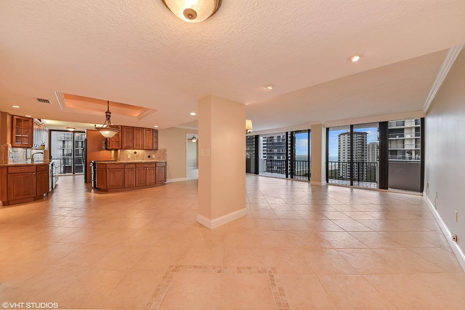Additional photo for property listing at 4200 N Ocean Drive 4200 N Ocean Drive Singer Island, Florida 33404 United States