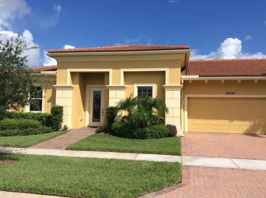 Vila para Venda às 10300 SW Canossa Way 10300 SW Canossa Way Port St. Lucie, Florida 34986 Estados Unidos
