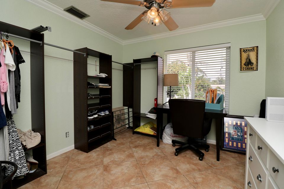 Additional photo for property listing at 19003 SE Fernwood Drive  Tequesta, Florida 33469 États-Unis