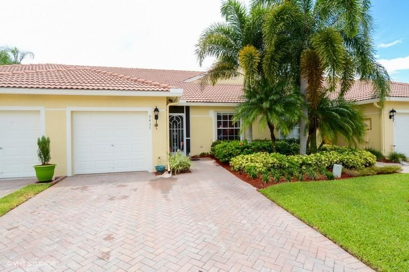 Villa pour l Vente à 9457 Bridgeport Drive West Palm Beach, Florida 33411 États-Unis