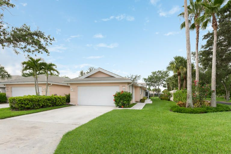 1205 NW Bentley Circle A, Saint Lucie West, FL 34986