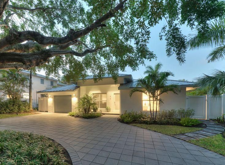 Additional photo for property listing at 717 NE 1st Court 717 NE 1st Court Delray Beach, Florida 33483 United States