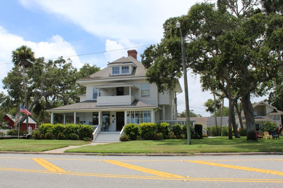 Hotel / Motel for Sale at 512 S Riverside Drive New Smyrna Beach, Florida 32168 United States