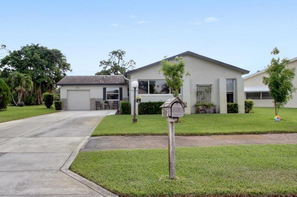 4322 Lisa Drive  Lake Worth, FL 33467