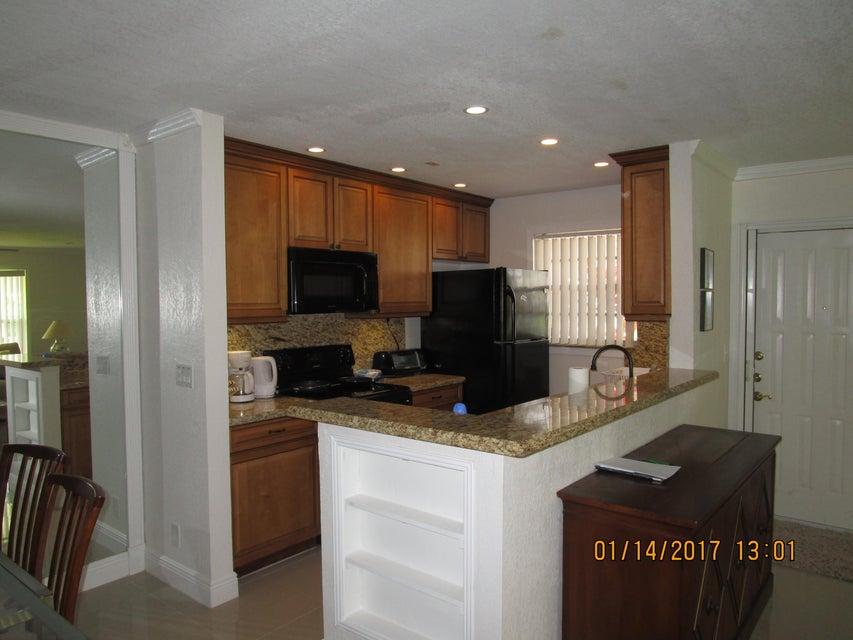 1360 High Point Way SW A, Delray Beach, FL 33445