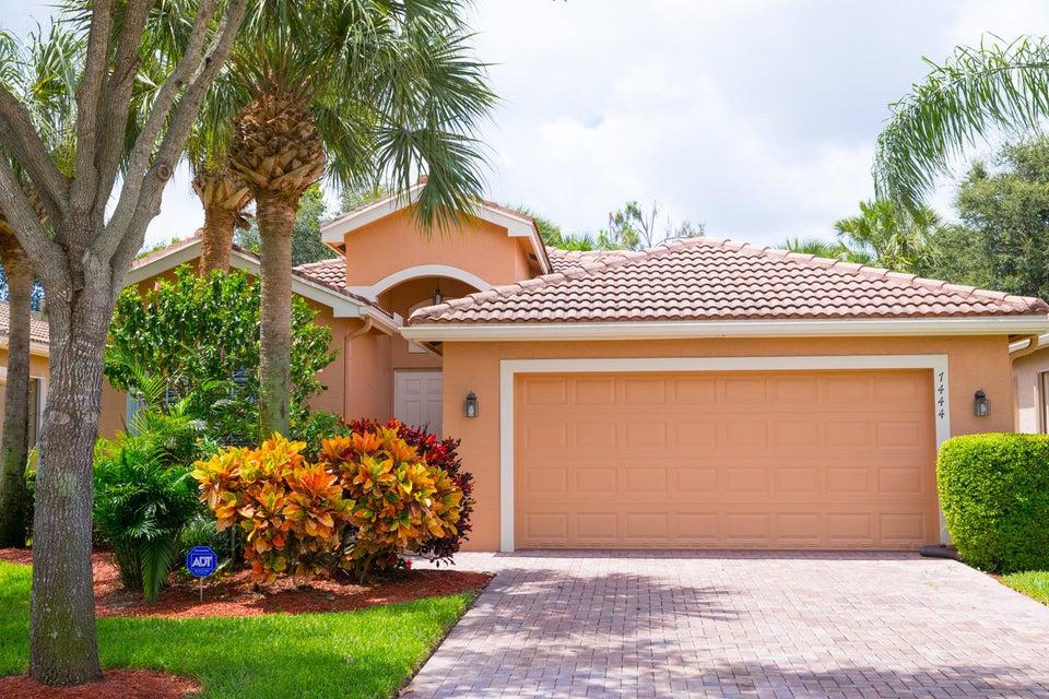 Valencia Pointe home 7444 Twin Falls Drive Boynton Beach FL 33437