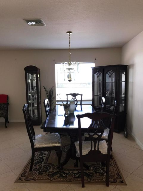 Additional photo for property listing at 47 Florida Way 47 Florida Way Port St. Lucie, Florida 34952 États-Unis
