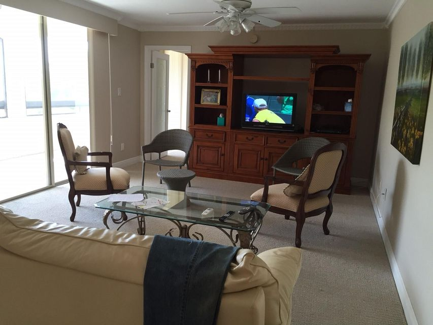 Additional photo for property listing at 820 Lavers Circle 820 Lavers Circle Delray Beach, Florida 33444 United States
