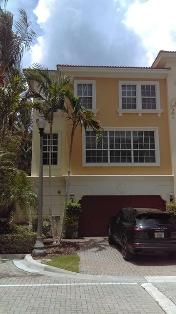 601 NE Rossetti Lane is listed as MLS Listing RX-10351121 with 46 pictures