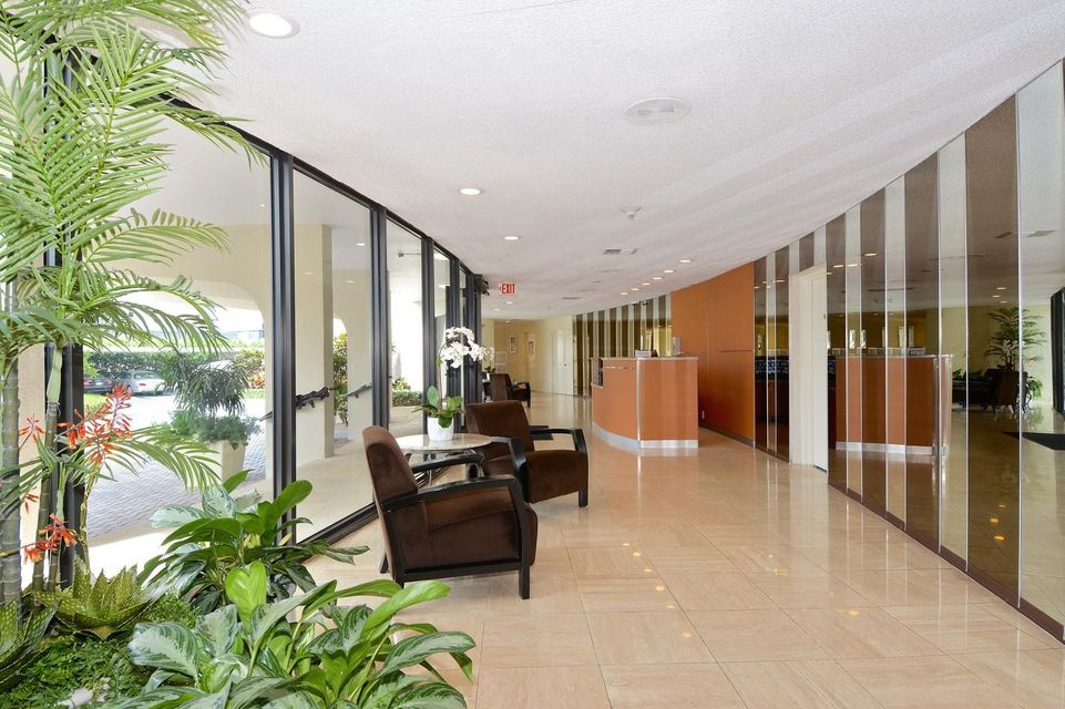 1200 S Flagler Drive 105 West Palm Beach, FL 33401 photo 21