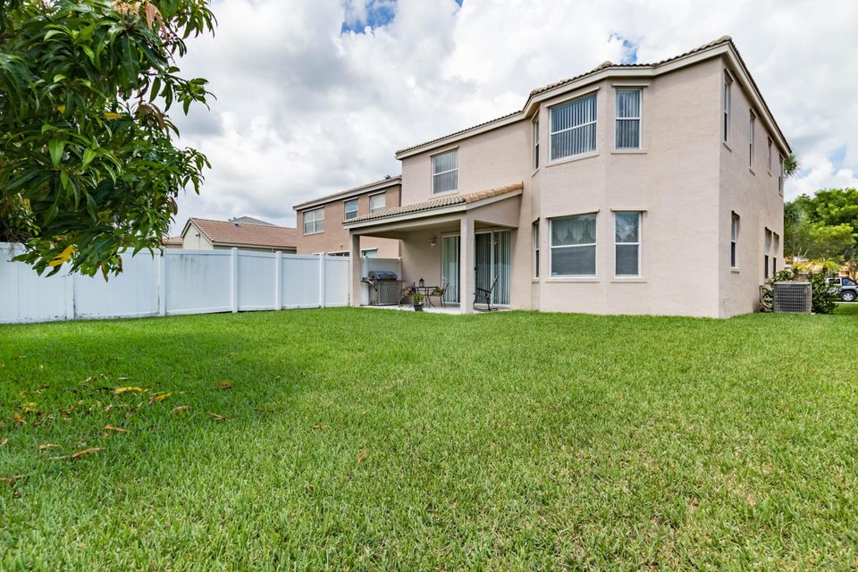 Additional photo for property listing at 1236 Oakwater Drive 1236 Oakwater Drive Royal Palm Beach, Florida 33411 États-Unis