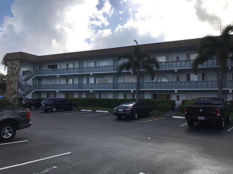 2200 Springdale Boulevard 104, Palm Springs, FL 33461