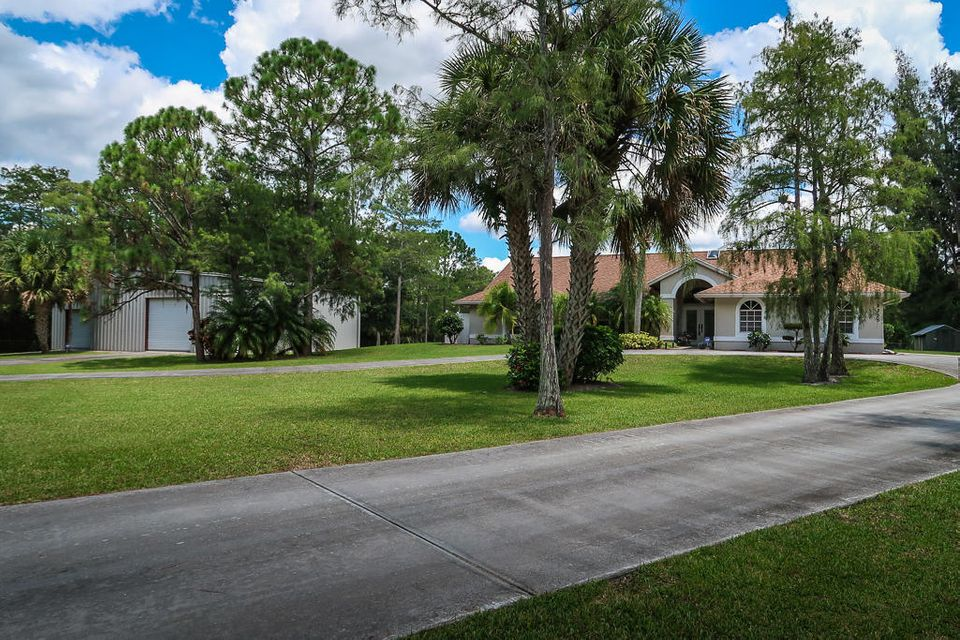 Single Family Home for Sale at 8235 159th Court N 8235 159th Court N Palm Beach Gardens, Florida 33418 United States
