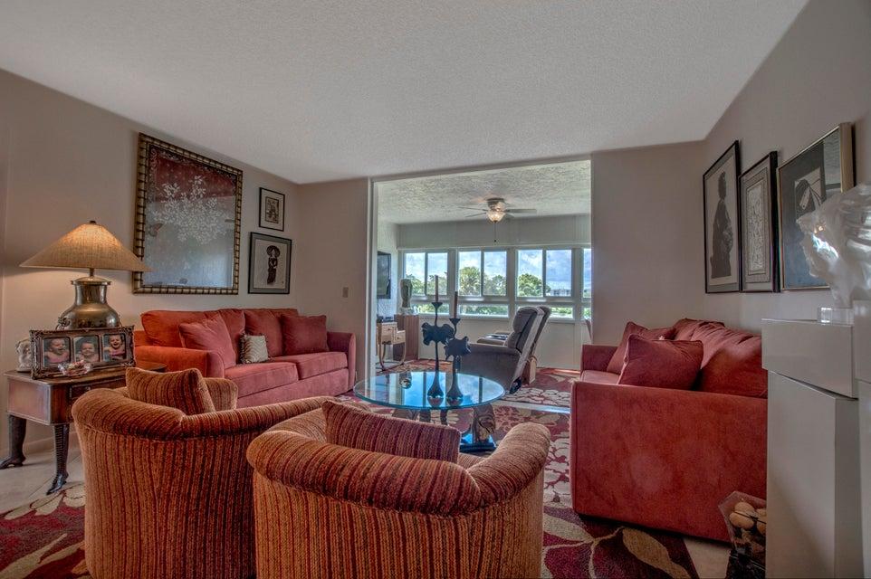 24 Abbey Lane 305, Delray Beach, FL 33446