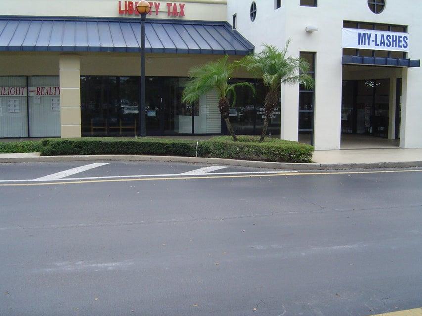 Entreprise pour l à louer à 1161 Royal Palm Beach Boulevard Royal Palm Beach, Florida 33411 États-Unis