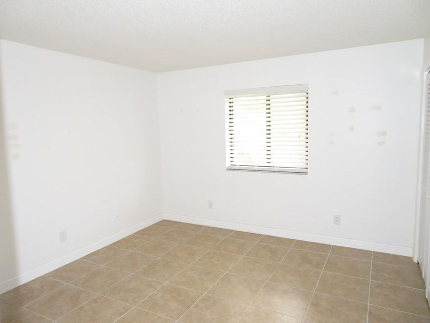 Additional photo for property listing at 125 S Palmway 125 S Palmway Lake Worth, Florida 33460 États-Unis