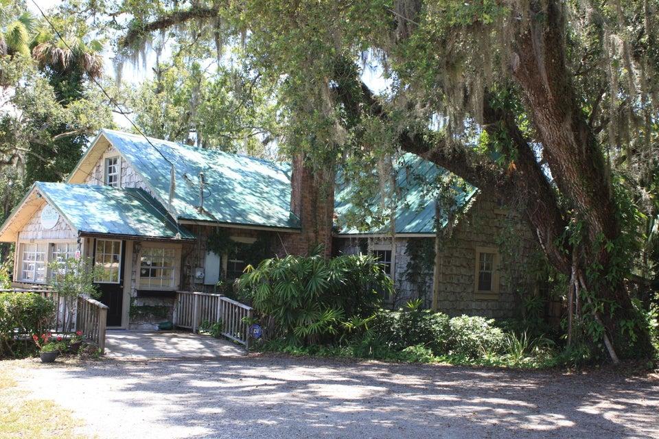 Des bureaux pour l Vente à 1203 W Midway Road W Fort Pierce, Florida 34982 États-Unis