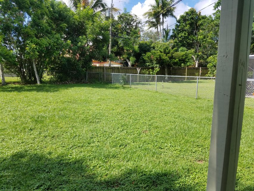 Additional photo for property listing at 156 SE Prima Vista Boulevard  Port St. Lucie, Florida 34983 United States