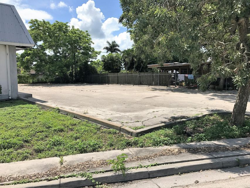 Additional photo for property listing at 406 Martin Luther Kin Boulevard E 406 Martin Luther Kin Boulevard E Belle Glade, Florida 33430 Vereinigte Staaten